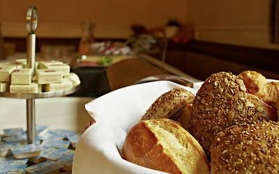 Frühstück im Hotel zur Post - 5 Sterne Ferienwohnung Attendorn